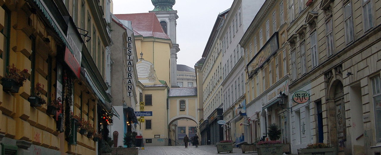 Grätzl Guide: Barnabitengasse, By Wolfgang Glock (Own work (own photo)) [CC BY-SA 3.0], via Wikimedia Commons