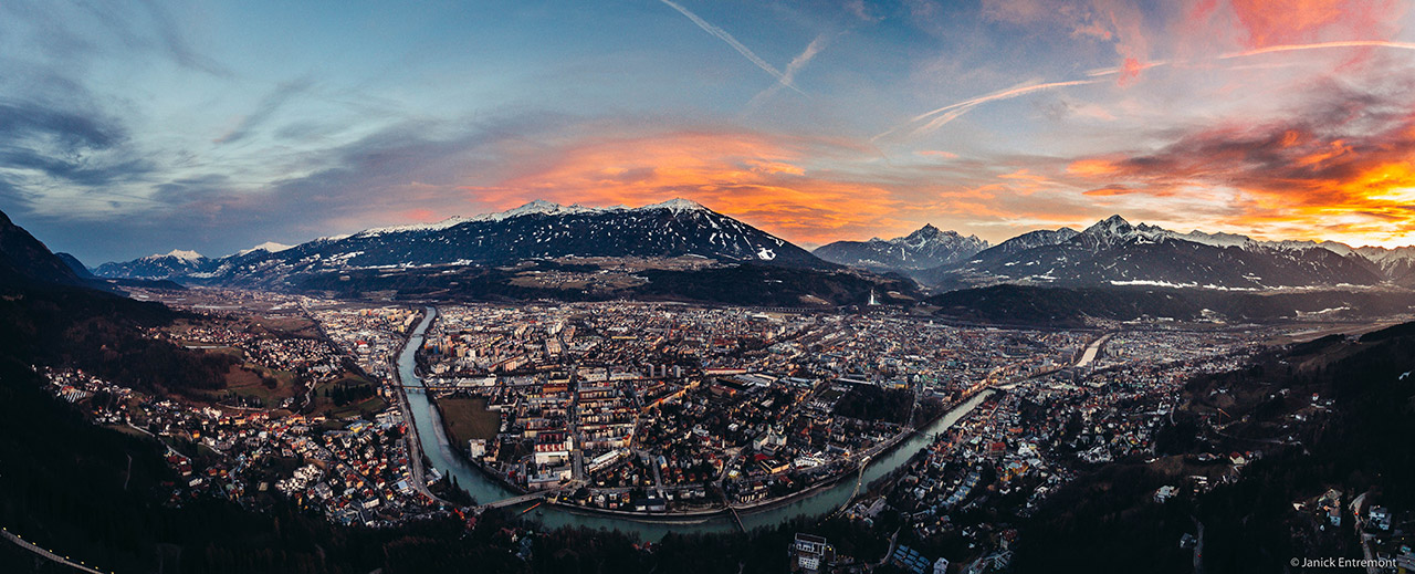 Innsbruck city guide, By Janick Entremont (Own work) [CC BY-SA 4.0], via Wikimedia Commons